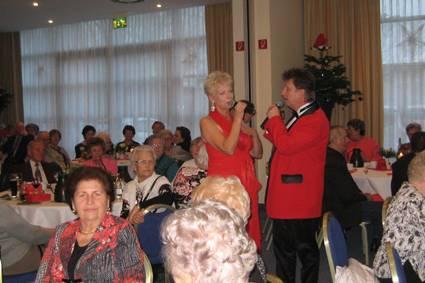 Weihnachtsfeier-im-Hotel-mit-Senioren