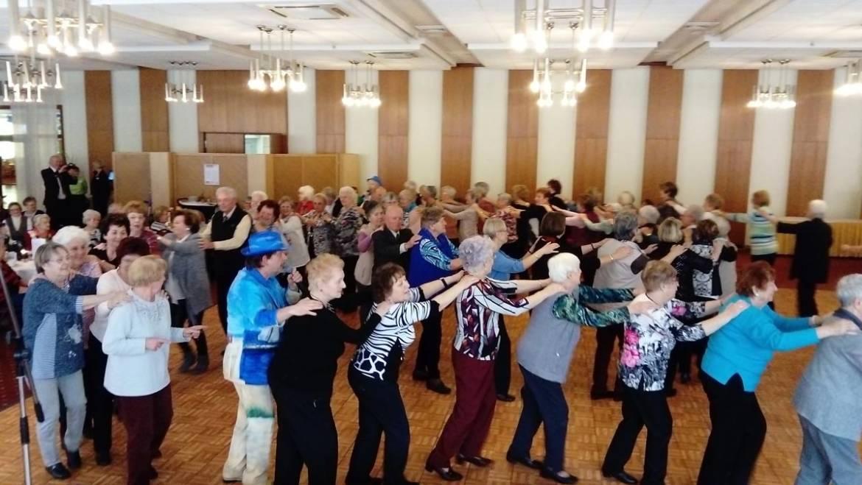 Frauentagsfeier und Stimmung bei den Senioren
