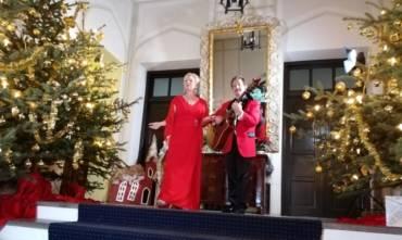 Weihnachtslied als Videoclip im Schloss Bredenfelde
